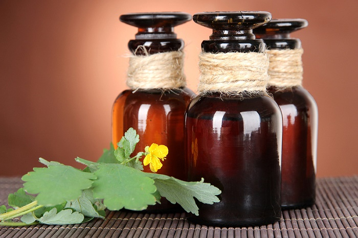 Лечение грибка маслом чистотела